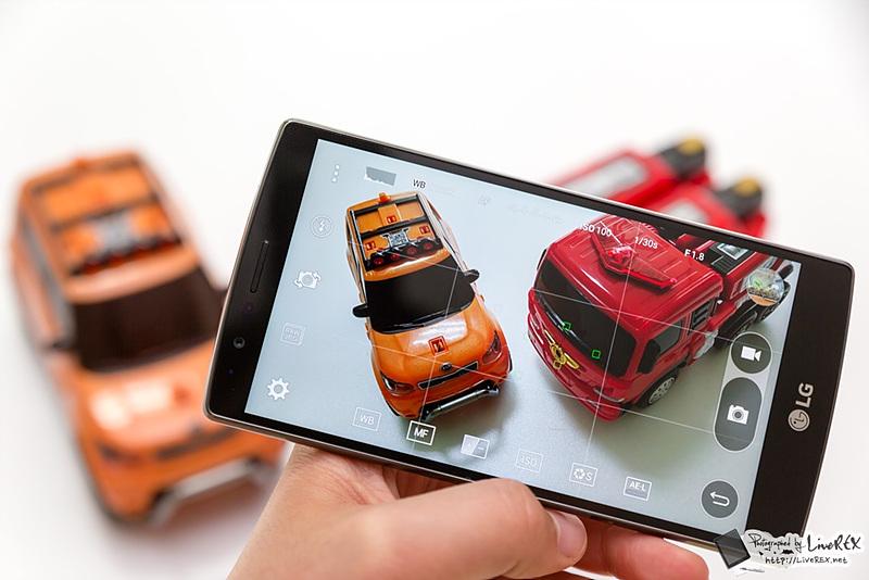 LG G4로 촬영한 장난감의 모습. 실제와 유사한 컬러로 촬영할 수 있다.