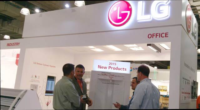 LG전자는 5일부터 7일까지 뉴욕에서 열리는 북미 최대 조명 박람회인 '국제조명박람회(LFI, Light Fair international 2014)'에 참가했다. LG전자는 북미 시장용 빌딩제어 네트워크 솔루션과 호환되는 'LG 센서 시스템', 북미의 스마트 홈 서비스에 첫 공급한 '스마트 전구' 등 북미 현지 최적화 제품을 선보이며 북미 LED 조명시장을 공략한다.