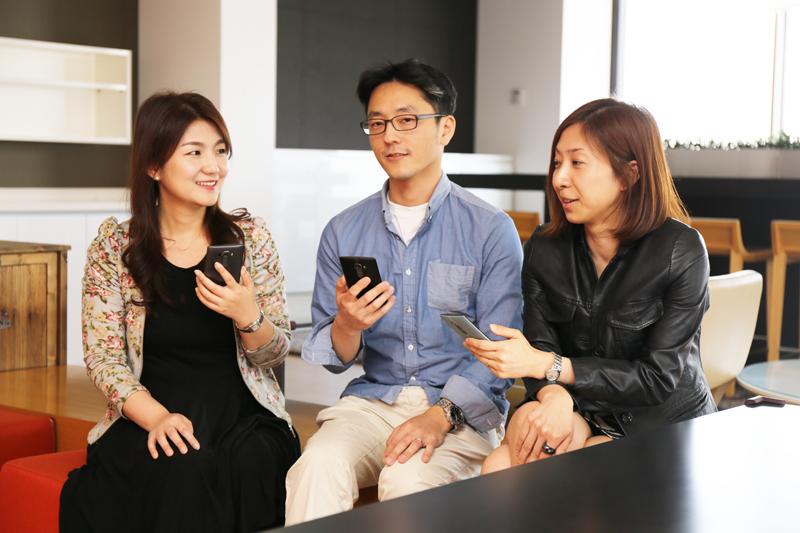 왼쪽부터 MC연구소 UI실 정혜미 선임연구원, MC 상품기획 김회철 과장,  MC LTE상품기획담당 신윤진 대리