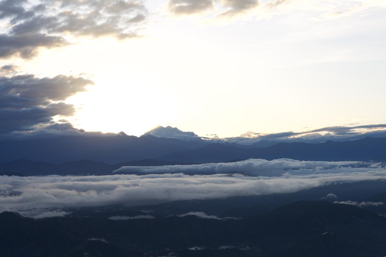 히말라야 산맥이 보인다.