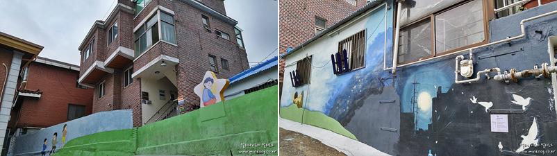 강풀 만화거리 곳곳의 풍경. 벽에 그려진 만화들.