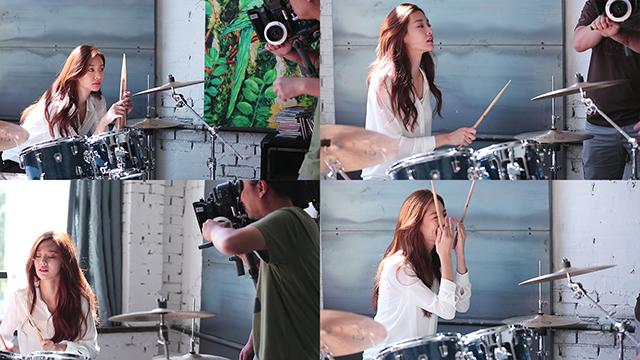 LG V10 라이프스타일 영상 촬영 중 드럼을 연주하는 스테파니 리.