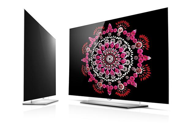 사진은 '올해 최고 TV'와 '최고 4K TV'에 선정돼 2관왕에 오른 LG 올레드 TV(65EF9500) 제품 입니다.