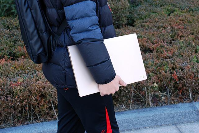 학업과 더불어 간단한 여가생활까지 책임져주는 LG전자 노트북 그램15