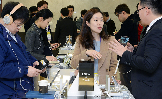 LG G5 체험존 현장 모습이다.