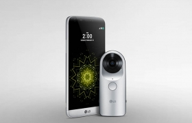 가상현실(VR)용 사진이나 영상을 촬영할 수 있는 360도 카메라 'LG 360 캠' 이미지 입니다.