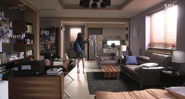 SBS 드라마 '미세스캅2'에서 배우가 G5 카메라 기능을 사용하고 있는 모습입니다.