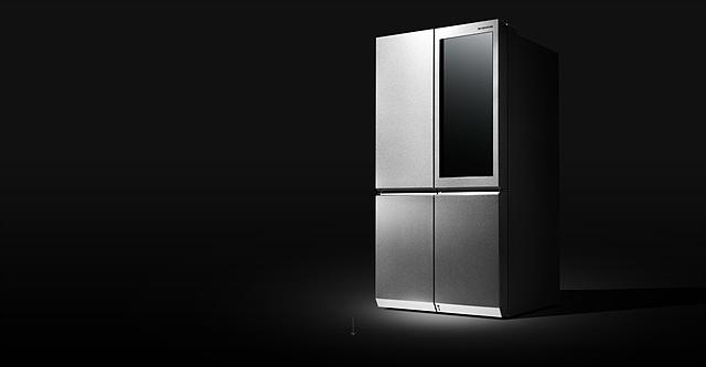 냉장고의 키워드를 '최고의 맛', '멋스러운 주방', '편안한 쓰임새'로 잡고 작업한 LG 시그니처 냉장고의 모습입니다.