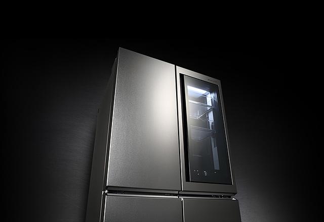 남자도 갖고 싶은 냉장고, 사용할수록 좋은 LG 시그니처 냉장고의 모습입니다.