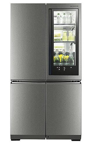 LG 시그니처 냉장고의 모습입니다.