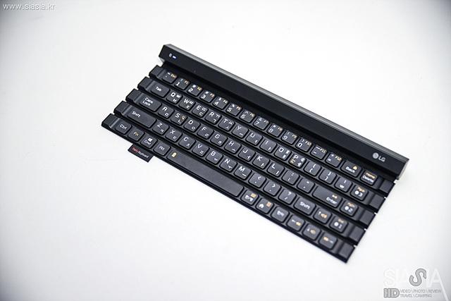 LG 롤리키보드의 새로운 모델 KBB-710의 모습입니다.