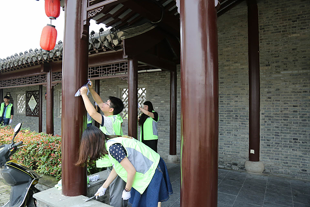LG전자 임직원들의 봉사활동 사진 - 중국 태주 '로우쩨(Laozie)'