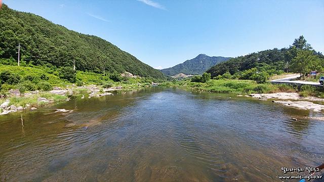 구천담교에서 바라본 섬진강