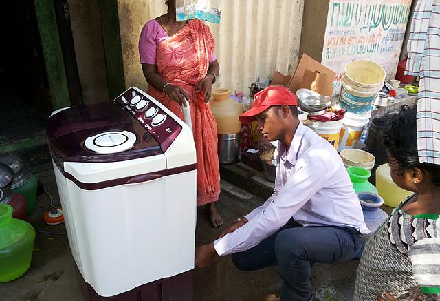인도 첸나이 홍수지역 무료 서비스 캠페인