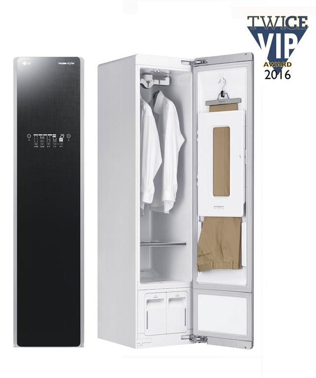 : 미국 가전 전문 유력 매체인 <트와이스(TWICE)> 'VIP 어워드'에서 최고 제품으로 선정된 LG 스타일러. <트와이스>는 미국 현지 유통업계 바이어들로 평가단을 구성해 매년 'VIP 어워드'를 발표하며 최고의 가전 제품을 선정하고 있다.