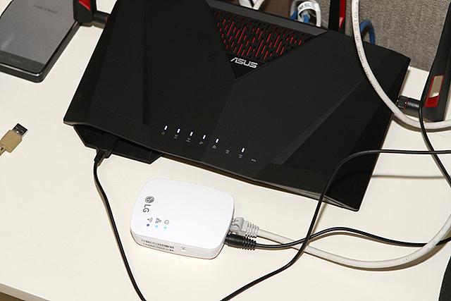 스마트 씽큐 허브를 연결할 유무선 공유기의 모습입니다.