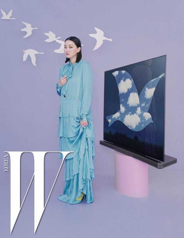LG SIGNATURE 올레드 TV와 톱모델 장윤주가 함께한 화보 이미지