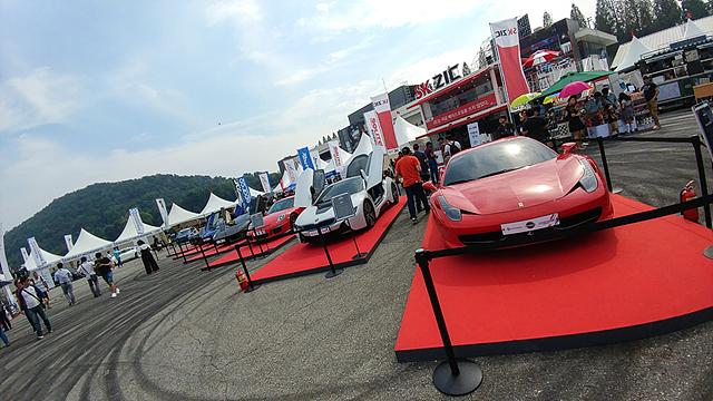 LG V20로 촬영한 자동차 경주대회 사진