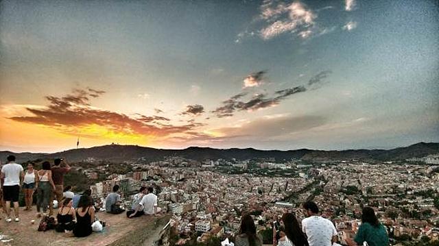 LG G5 광각 카메라로 촬영한 바르셀로나 벙커의 노을지는 풍경