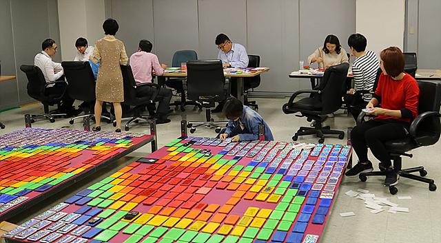 가로 3.6m, 세로 2.6m 크기의 하트 모양을 만드는 과정
