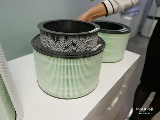 LG 퓨리케어 공기청정기 내부 필터의 모습