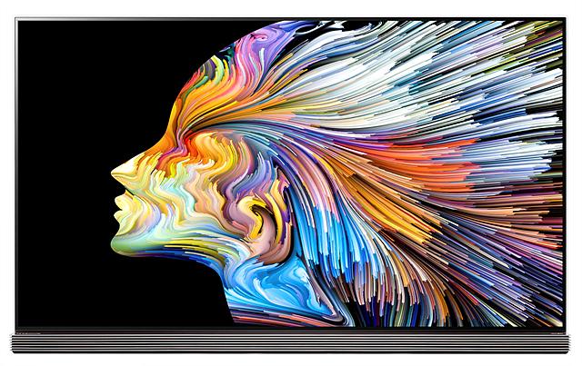 생생한 컬러 구현이 가능한 LG 시그니처 올레드 TV의 모습