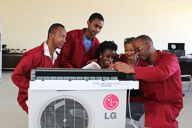 LG가 KOICA와 함께 에티오피아에 설립한 'LG-KOICA 희망직업훈련학교'