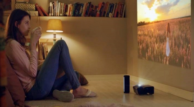 환상의-콜라보레이션-LG-미니빔-TV와-포터블-스피커