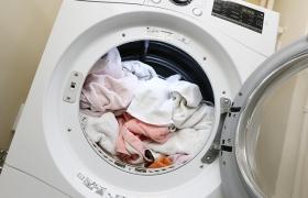 까다로운 겨울 옷 세탁, 한방에 해결하는 법