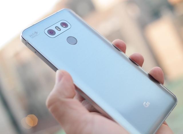 'LG G6' 후면 모습