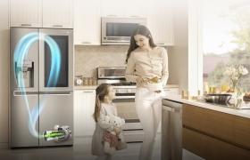 LG '인버터 리니어 컴프레서' 냉장고가 글로벌 누적 판매량 1500만대를 돌파했다. LG전자 냉장고 내부에서 '인버터 리니어 컴프레서'가 작동하는 모습.