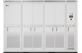 LG전자가 미국 발전용 에너지저장장치(ESS) 시장 진출에 필수적인 UL 안전 규격 인증을 획득, 빠르게 성장하고 있는 미국 시장 공략에 나섰다. 사진은 이번에 『UL1741』안전 규격을 인증받은 LG전자의 1메가와트(MW)급 대용량 ESS용 전력변환장치(PCS)로 배터리에 직류(DC)로 저장된 전력을 교류(AC)로 변환해 전력망에 내보내거나, 전력망의 교류를 직류로 바꿔 배터리에 저장하는 등 ESS와 전력망을 안정적으로 연결시키는 역할을 한다.