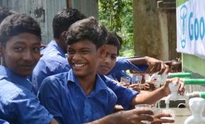 깨끗한 물이 절실한 방글라데시에 전한 LG의 나눔