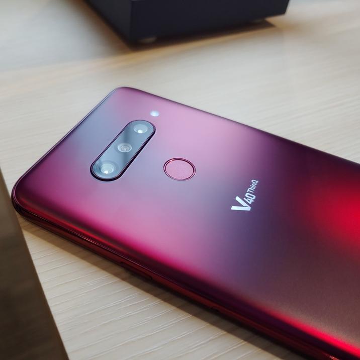 [현장 취재] 스마트폰 카메라의 새로운 기준 'LG V40 ThinQ'