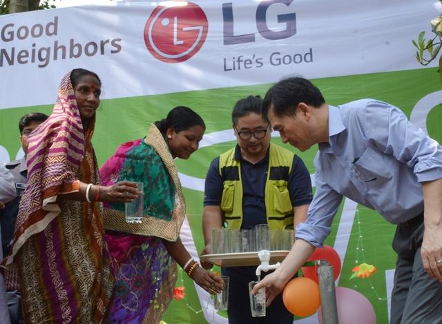LG전자 방글라데시에 깨끗한물 선물03_1