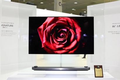 'WIS 2017' 현장에서 직접 만난 'LG 시그니처 올레드 TV W'