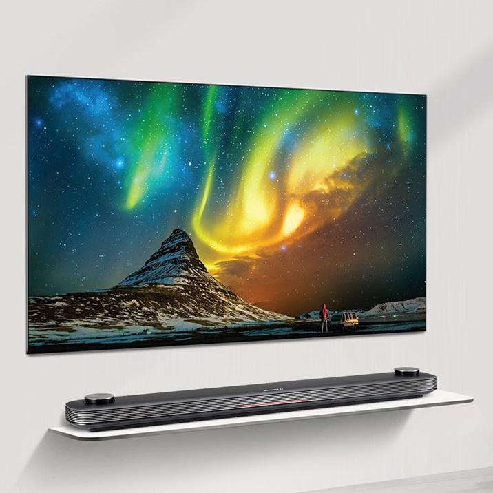 '자체발광' 매력 뿜뿜! 'LG 올레드 TV'의 존재 이유
