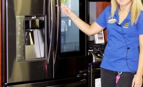 LG전자는 지난 4월 스페인을 시작으로 연말까지 독일, 러시아, 인도네시아, 이란 등 50여 국가에 노크온 매직스페이스 냉장고를 순차적으로 출시한다. 사진은 미국 가전제품 유통업체인