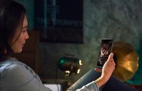'LG Q시리즈'의 두 번째 모델 'LG Q8' 눈과 귀가 즐겁다