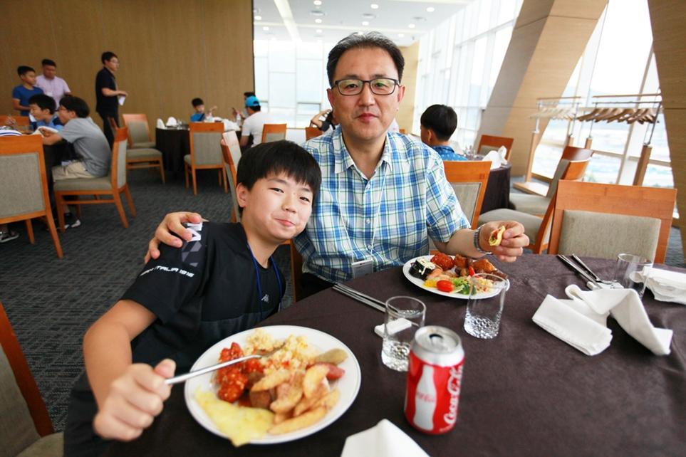 아빠와 즐거운 점심 시간