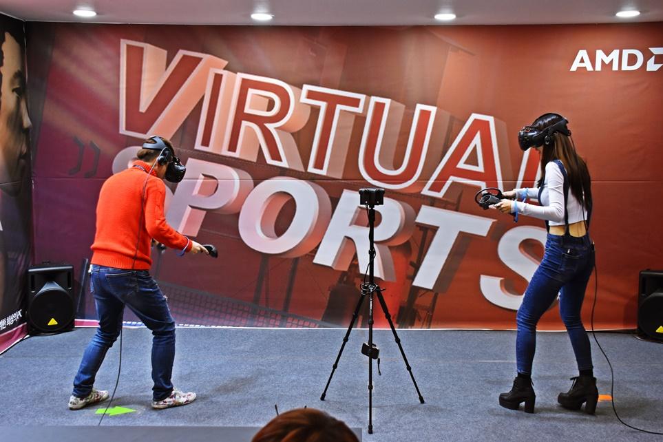 VR 게임을 즐길 수 있는 부스