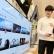 LG전자가 지상파 방송 3사와 손잡고 20일부터 내년 3월까지 지상파 UHD방송 다시보기 서비스를 LG UHD TV에서 단독으로 제공한다. 시청자들은 LG UHD TV에서 방송 3사가 최근 론칭한 세계 최초 양방향 서비스 'TIVIVA'를 통해 UHD 방송 다시보기, 지상파 및 케이블 방송사 VOD 시청, 케이블 방송 실시간 시청 등 서비스를 즐길 수 있다. LG전자 모델들이 서울 청담동에 위치한 가전 매장에서 'TIVIVA'가 제공하는 콘텐츠를 살펴보고 있다.