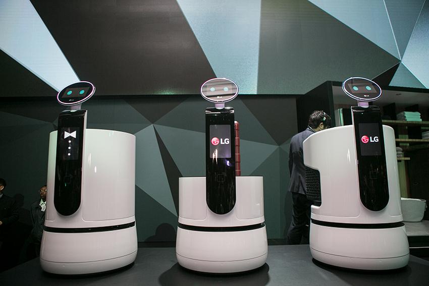 서빙 로봇(Serving robot), 포터 로봇(Porter robot), 쇼핑 카트 로봇(Shopping cart robot)