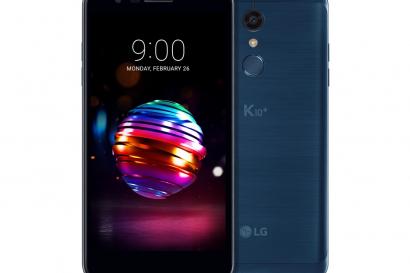 LG전자가 26일부터 스페인 바르셀로나에서 열리는 MWC 2018에서 차별화된 카메라 기능을 갖춘 2018년형 LG K10 을 소개한다. K10은 전면에 8백만 화소의 고해상도 카메라, 피사체만 또렷이 초점을 맞춰 더욱 돋보이게 하는 아웃포커싱 기능 등 강력한 셀카기능을 갖췄다. 사진은 2018년형 LG K10+ 모로칸 블루