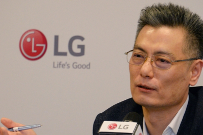 LG전자 MC사업본부장 황정환 부사장,스마트폰의 본질인 'ABCD'에 집중
