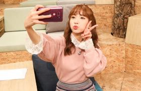 '쑥가이버' 지숙과 'V30 라즈베리 로즈'의 특별한 만남
