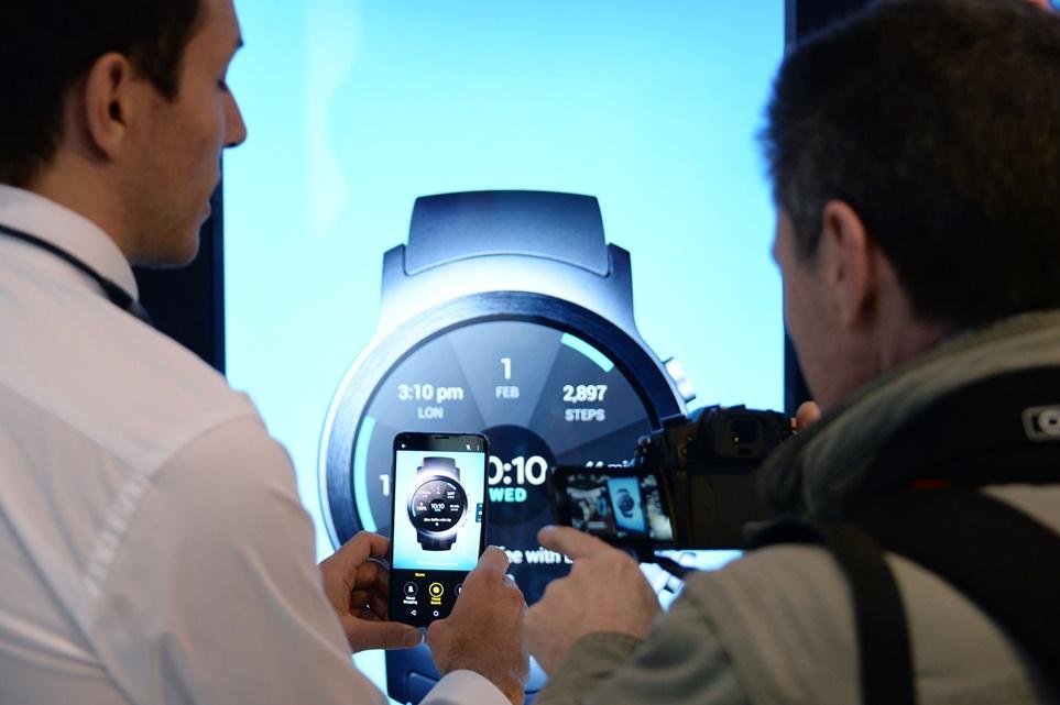'LG V30S ThinQ' Q렌즈 시연 장면