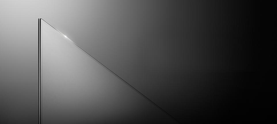 페이퍼 슬림 두께인 LG TV