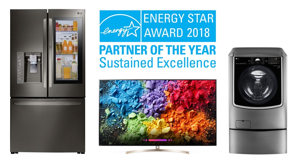 LG전자가 미 환경보호청이 주관하는 '2018 에너지스타 어워드'에서 최고상인 '올해의 파트너 - 지속가능 최우수상(Partner of the Year - Sustained Excellence Award)'을 수상하며 지속가능한 친환경 경쟁력을 인정받았습니다.