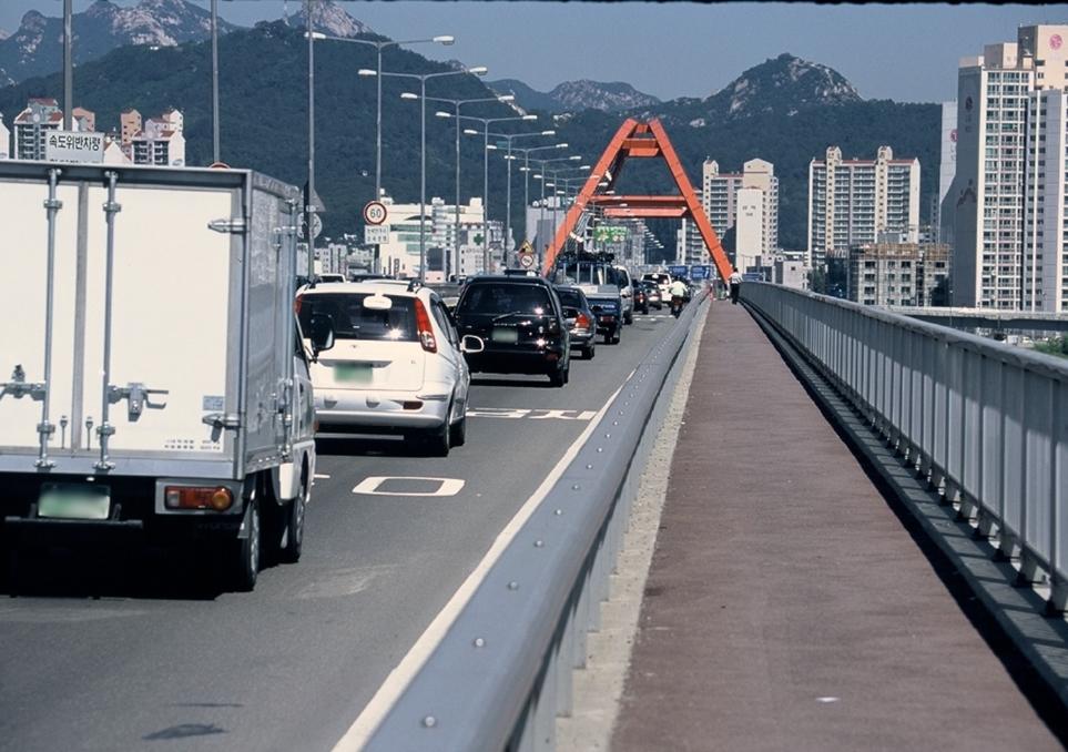 미세먼지 발생하는 도로